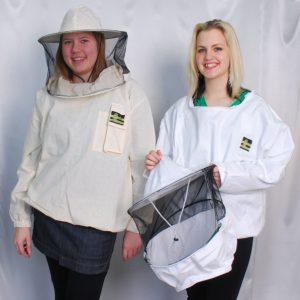 Belebújos kabát, levehető sapkával